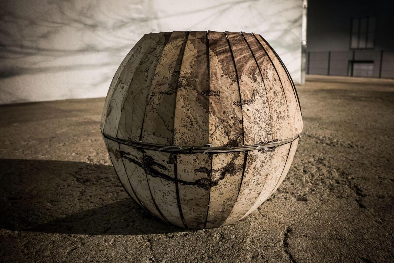 Mars Globus Lasercut Prototyp von Robin Hanhart