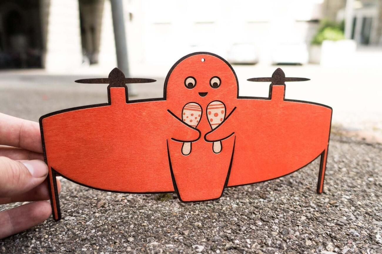 Vitoli - Eine freundliche Drone - Orange Version mit Rasseln