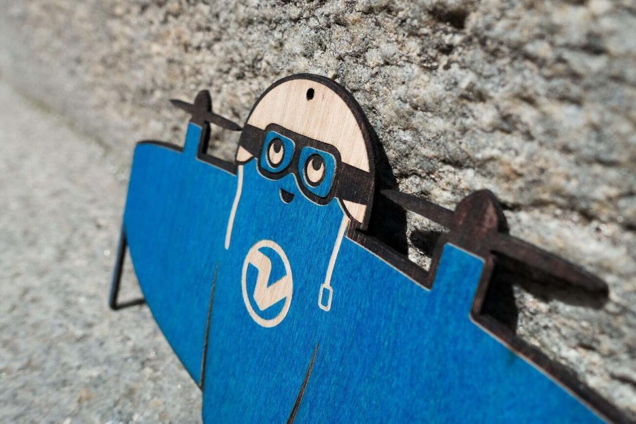 Vitoli - Eine freundliche Drone - Blauer Pilot