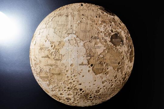Topografische Karte vom Mond Lunar von Robin Hanhart
